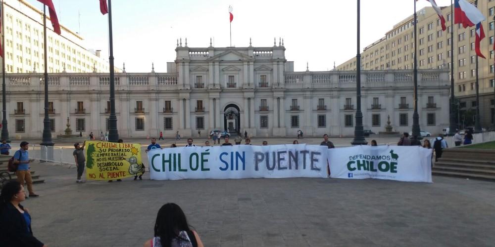 chiloe-sin-puente-la-moneda